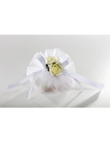 Confezione papillon con fiore bianco